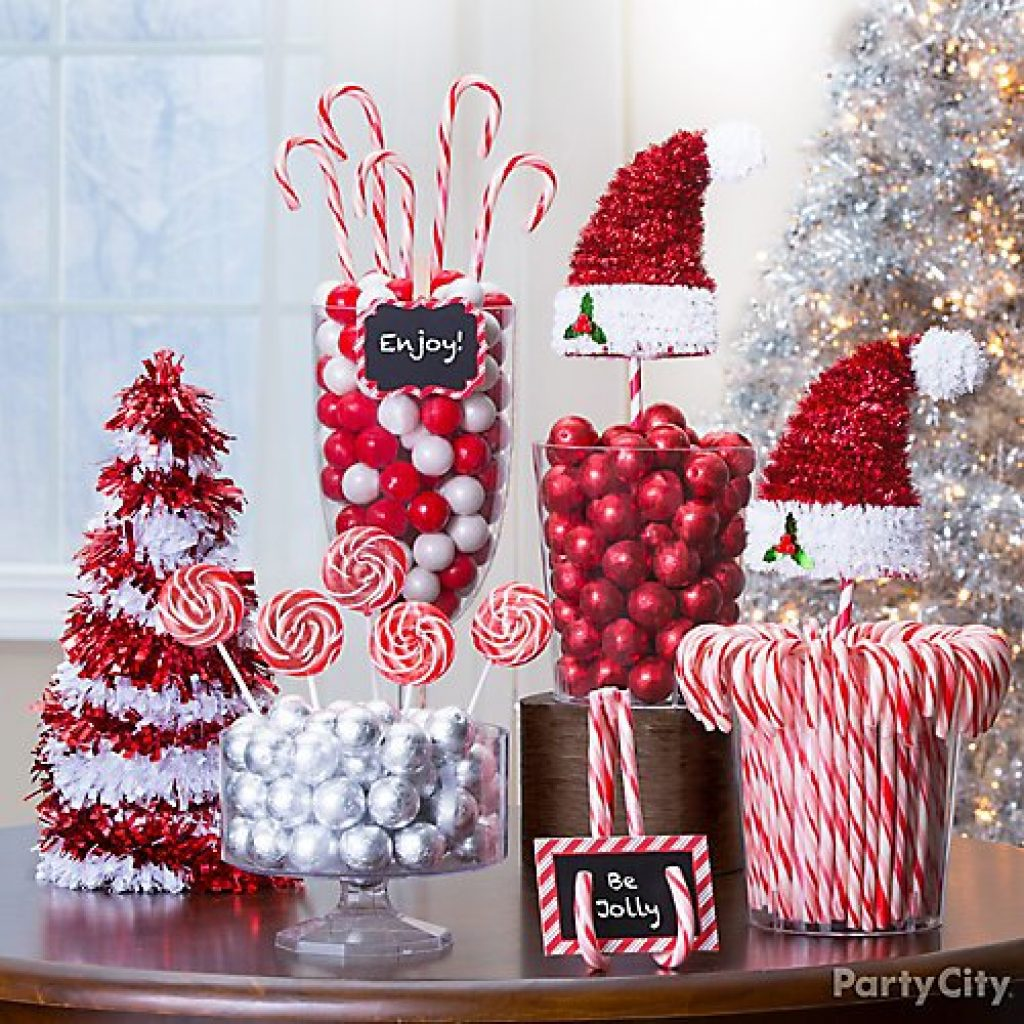 Candy decoration ideas for Christmas window
