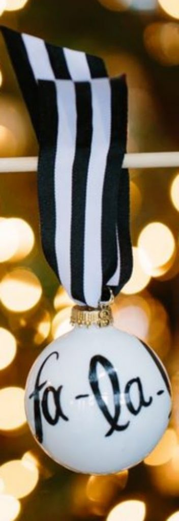Black and White Ornaments - easy craft ideas for Christmas decorations