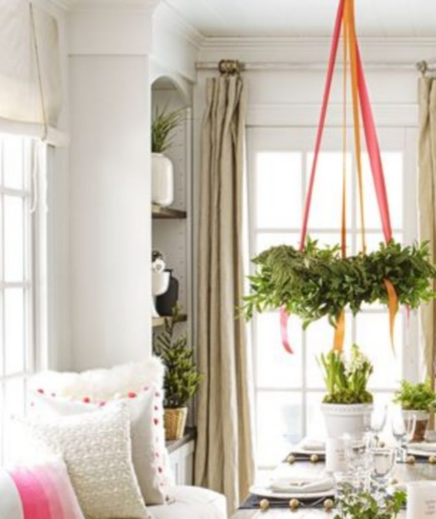 Wreath Chandelier - Craft Ideas For Christmas Table Decorations