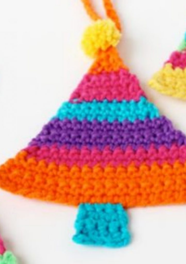 Crochet Tree Ornament - easy craft ideas for Christmas decorations