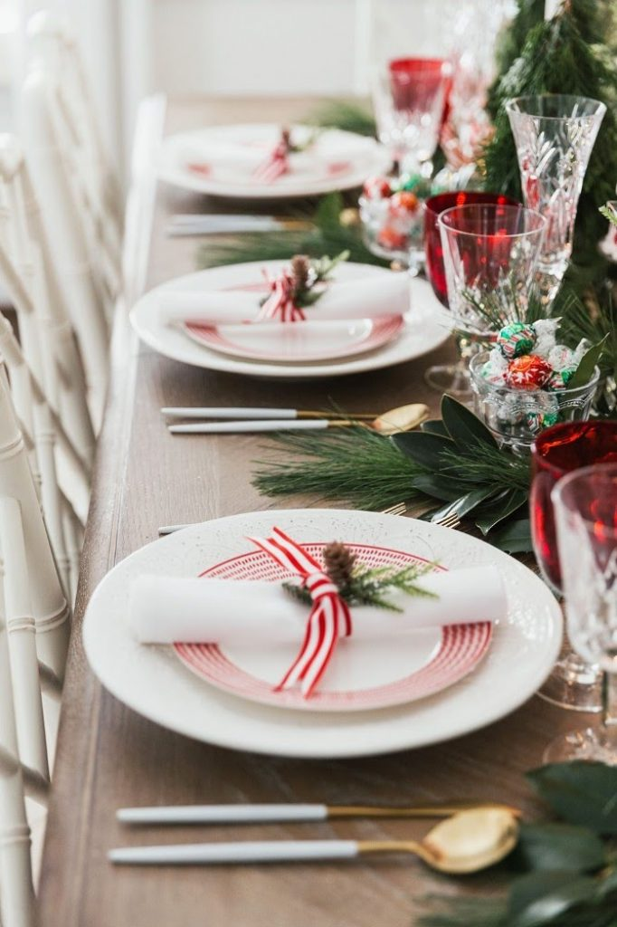 Pretty Up Your Tabletop - Best Ideas For Christmas Party Decorations