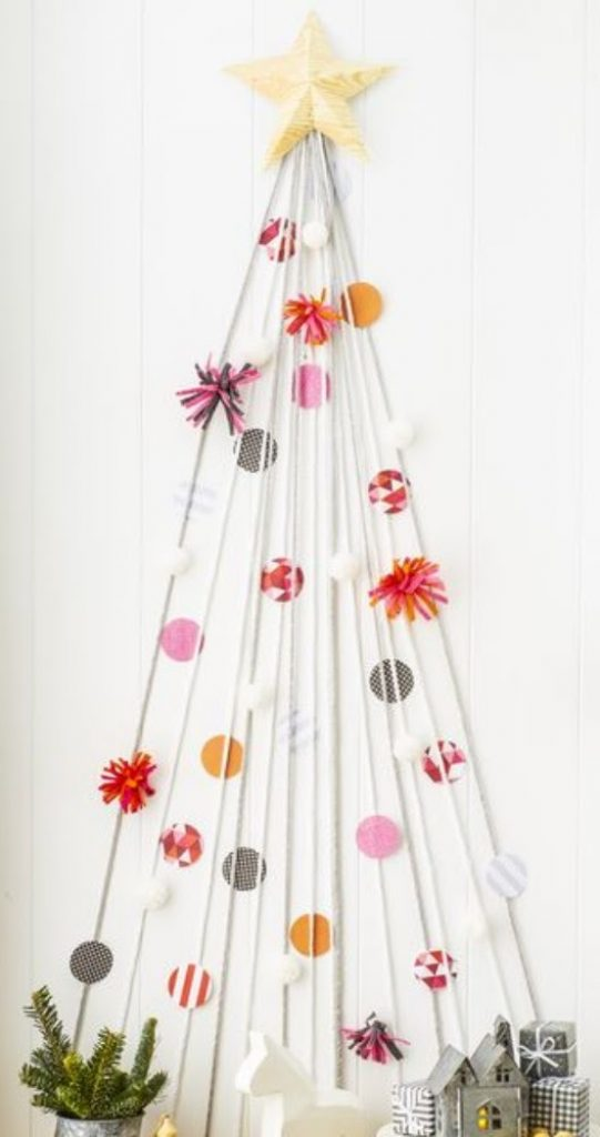 """Craft Your Own """"Tree"""" -Home With Christmas Decorations"""