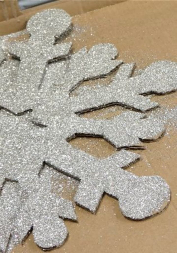 Glitter Snowflakes - DIY Christmas Decorations For Your Classroom