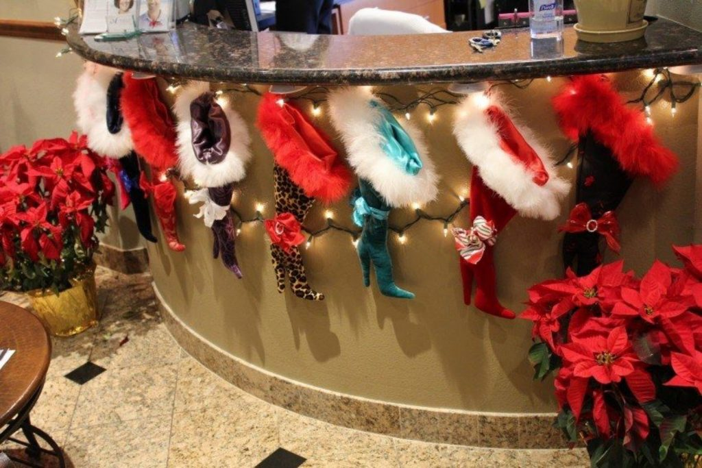 Front Desk - DIY Christmas Decorations For Office
