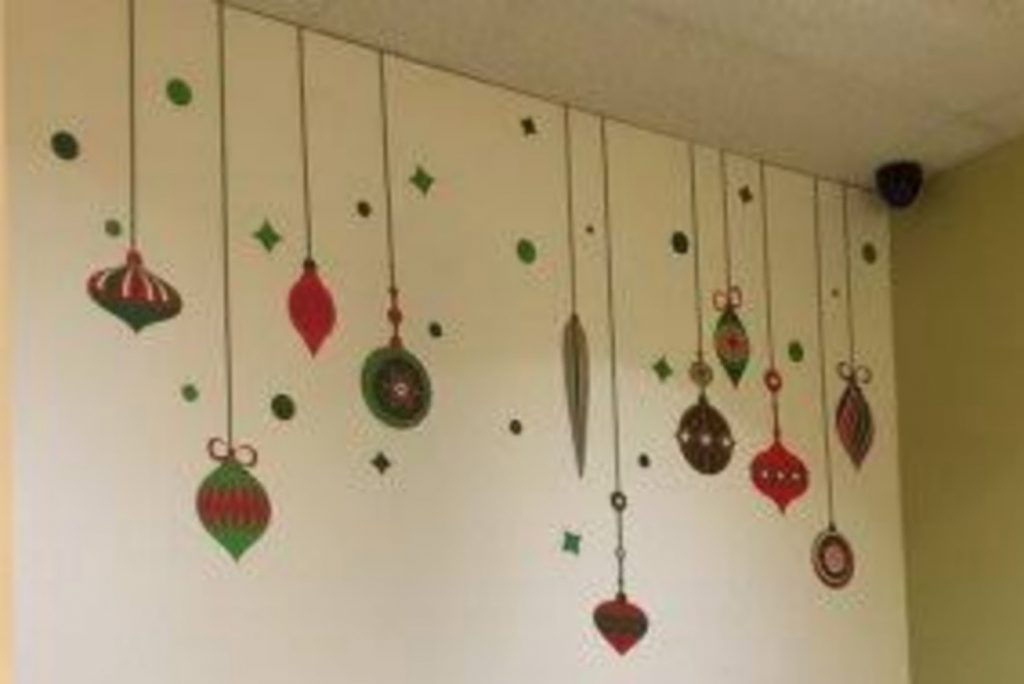 Decorate the Office Walls - christmas decorations for office
