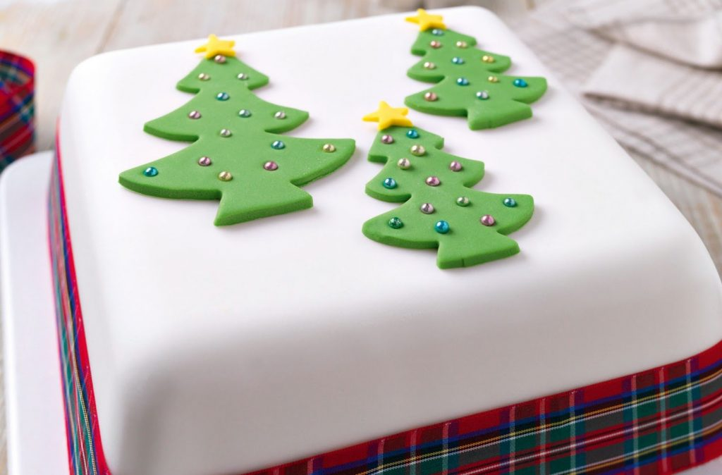 Three trees Christmas cake
